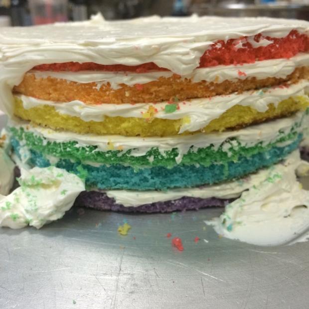 I finally made a pinterest-idea cake.